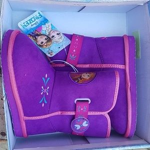 New in box frozen boots